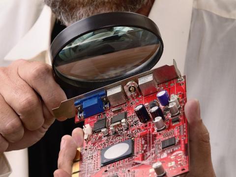 Használt laptop az üzlethez, informatikához és számításokhoz